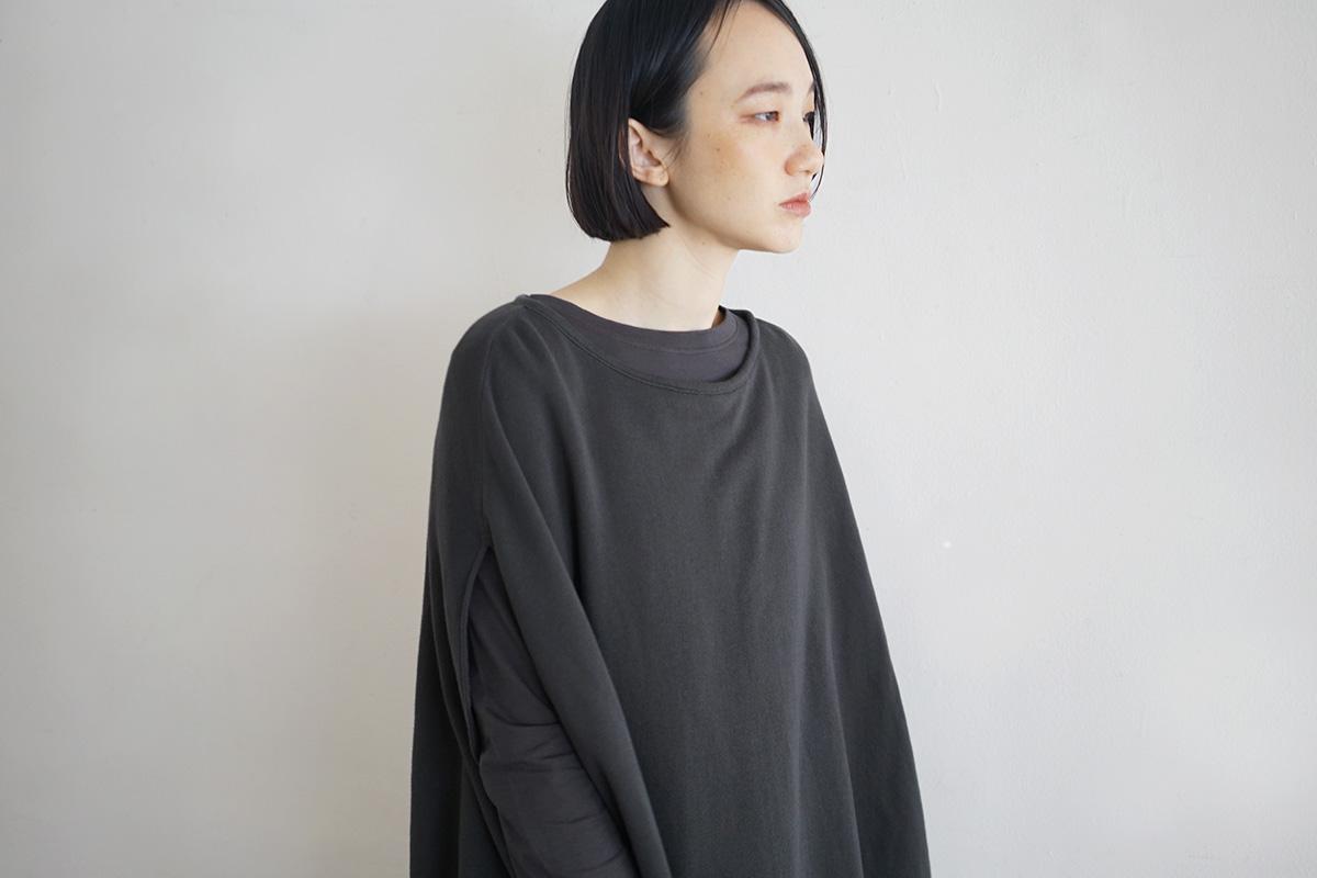 Mochi モチ cocoon vest [charcoal grey]