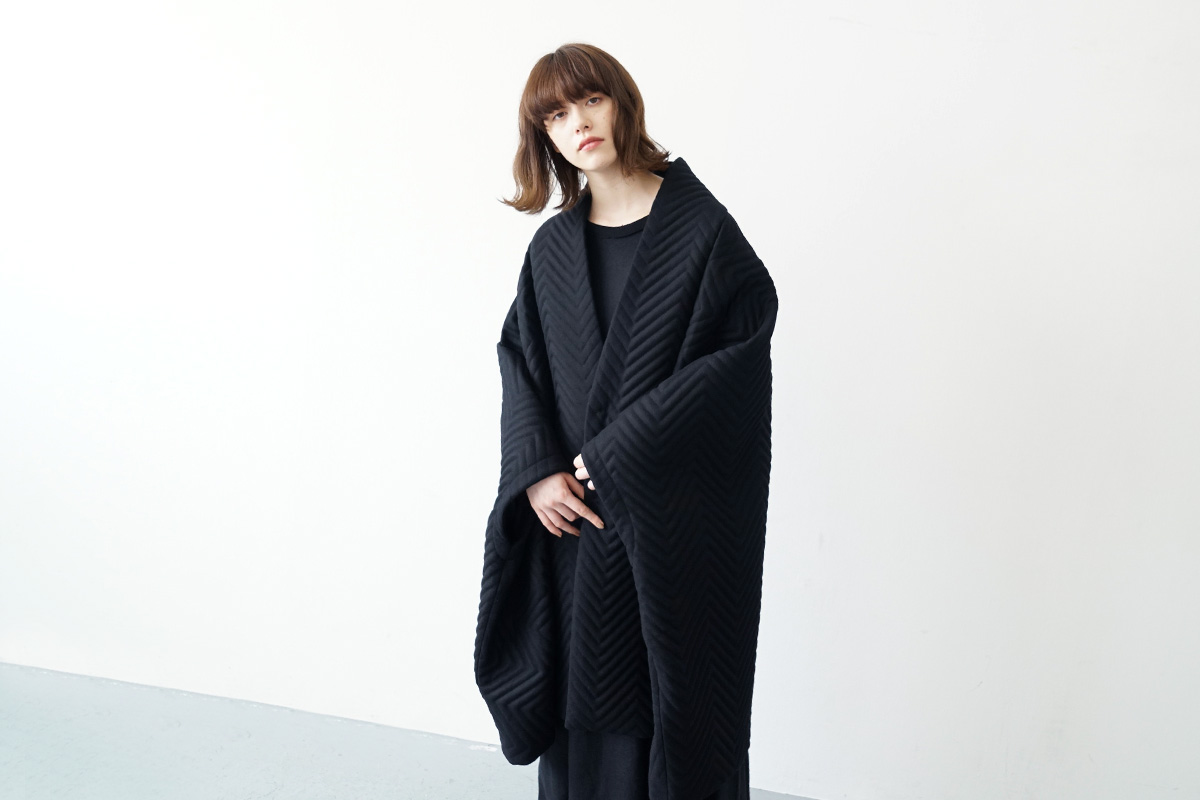 Mochi cape coat [ma21-co-01/black]