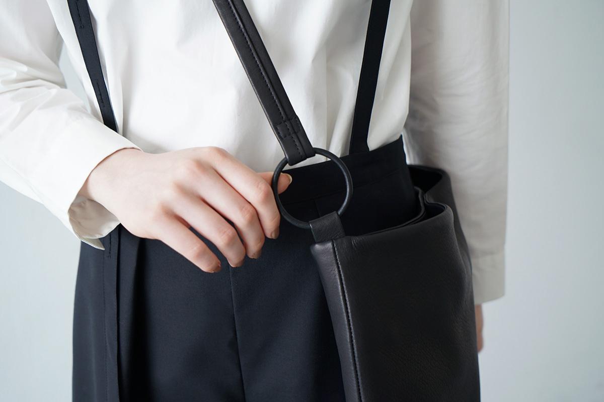 Mochi square shoulder bag [ma-pro-08/black]