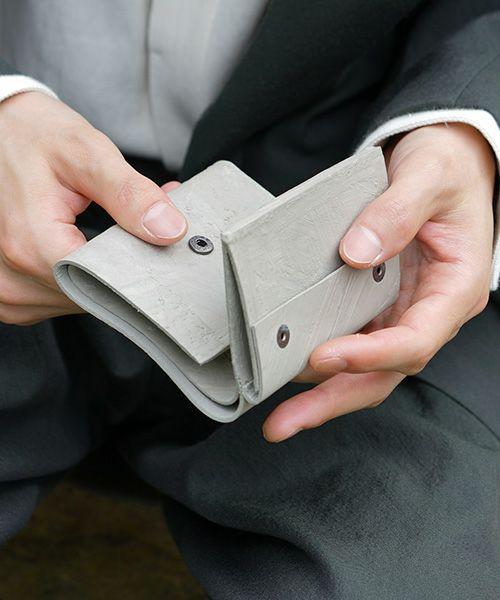 KAGARI YUSUKE カガリユウスケ 三つ折り豆財布[mw-11 gr]