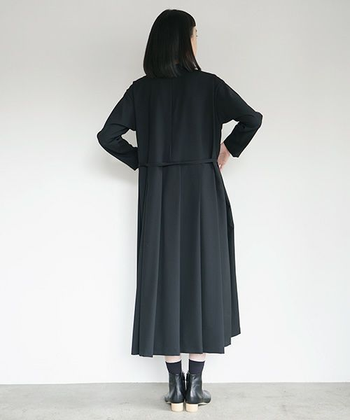 Mochi モチ high neck dress [black]