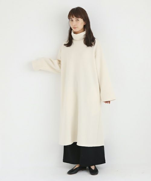 Mochi モチ sweat one piece [off white]