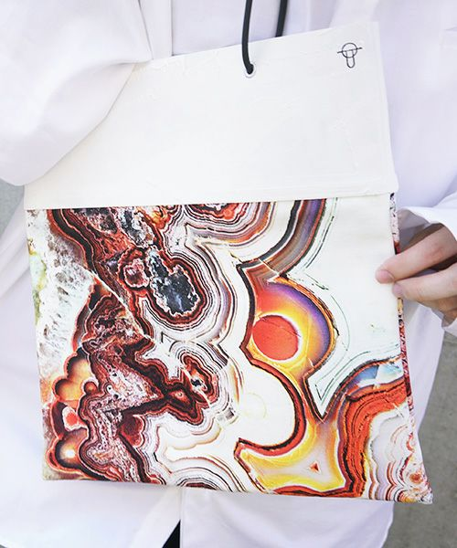 KAGARI YUSUKE 壁布トート・2020[メノウ]